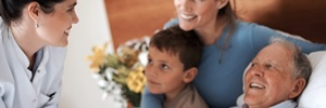 Artículo de Revisión: Aspectos éticos en pacientes con cáncer avanzado en cuidados paliativos. 2013